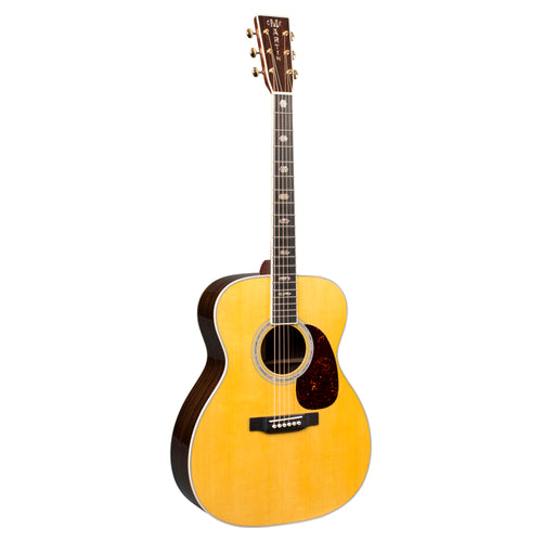 Martin & Co. J40: Standard Series Jumbo Acoustic Guitar