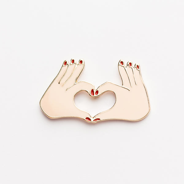 HEART HANDS PIN