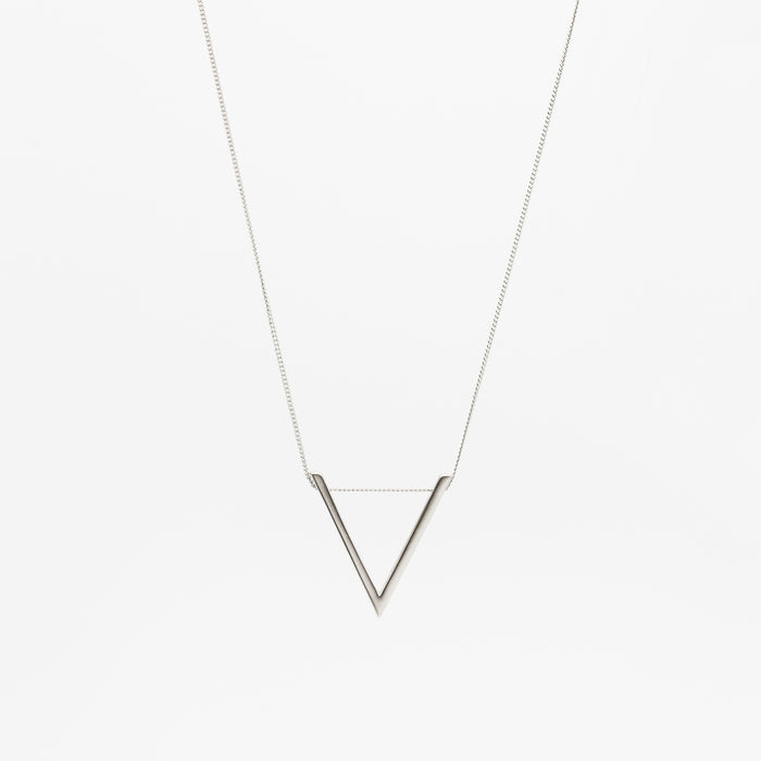 LARGE V NECKLACE - SILVER