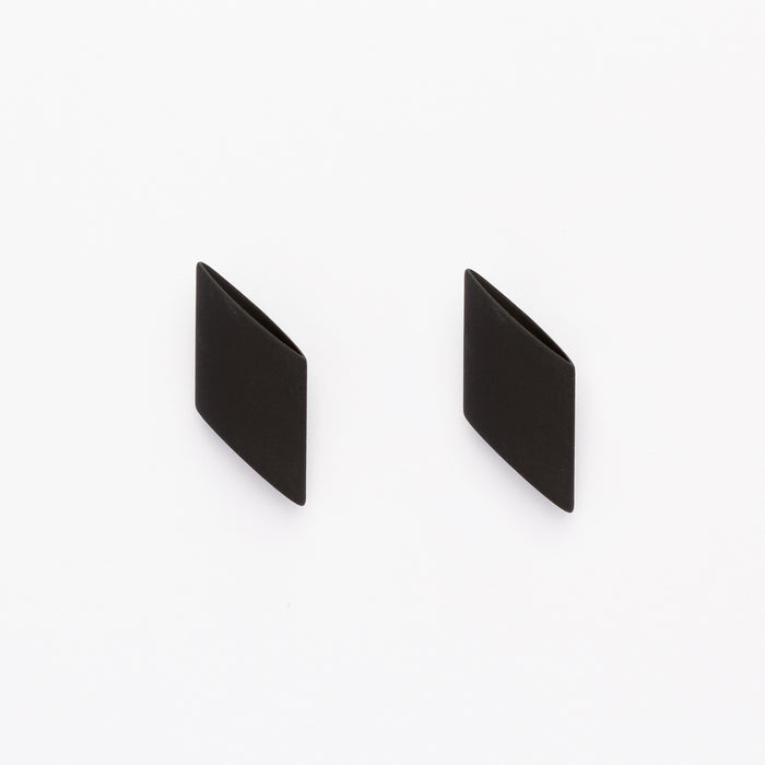 SLICED TUBE STUDS - BLACK