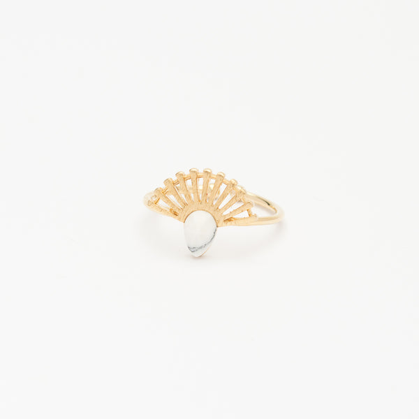 Stone Fan Ring - White Howlite/Gold