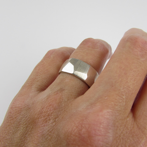 Modern Facet Ring - Oddbox Studio