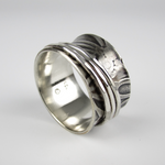 Spinner Ring with Floral Pattern - Oddbox Studio