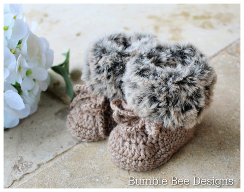 Unisex crochet baby booties, hazelnut brown, baby booties, fur shoes, moccasins, knitted boots, 0-3, 3-6 months, baby shower, Faux fur