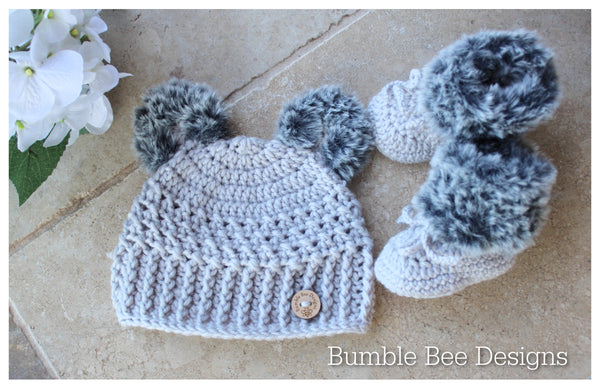 Crochet baby booties & hat, Silver Grey booties, baby booties, fur shoes, moccasins, teddy bear hat, 0-6 months, baby shower, Faux fur, Unisex