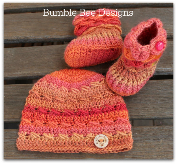 orange, peach, apricot booties and hat