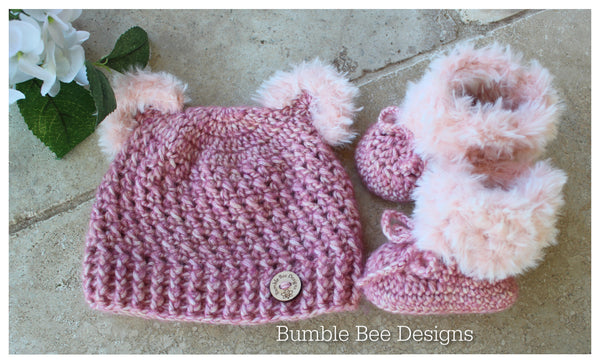 Crochet baby booties & hat, Raspberry Sorbet booties, baby booties, fur shoes, moccasins, teddy bear hat, 3-6 months, baby shower, Faux fur