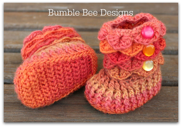 Baby Beanie - Baby Hat - Baby Booties - Baby Set in Rainbow Orange, Peach & Apricot