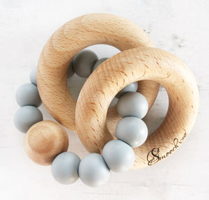 Double ring wood and silicone rattle in grey