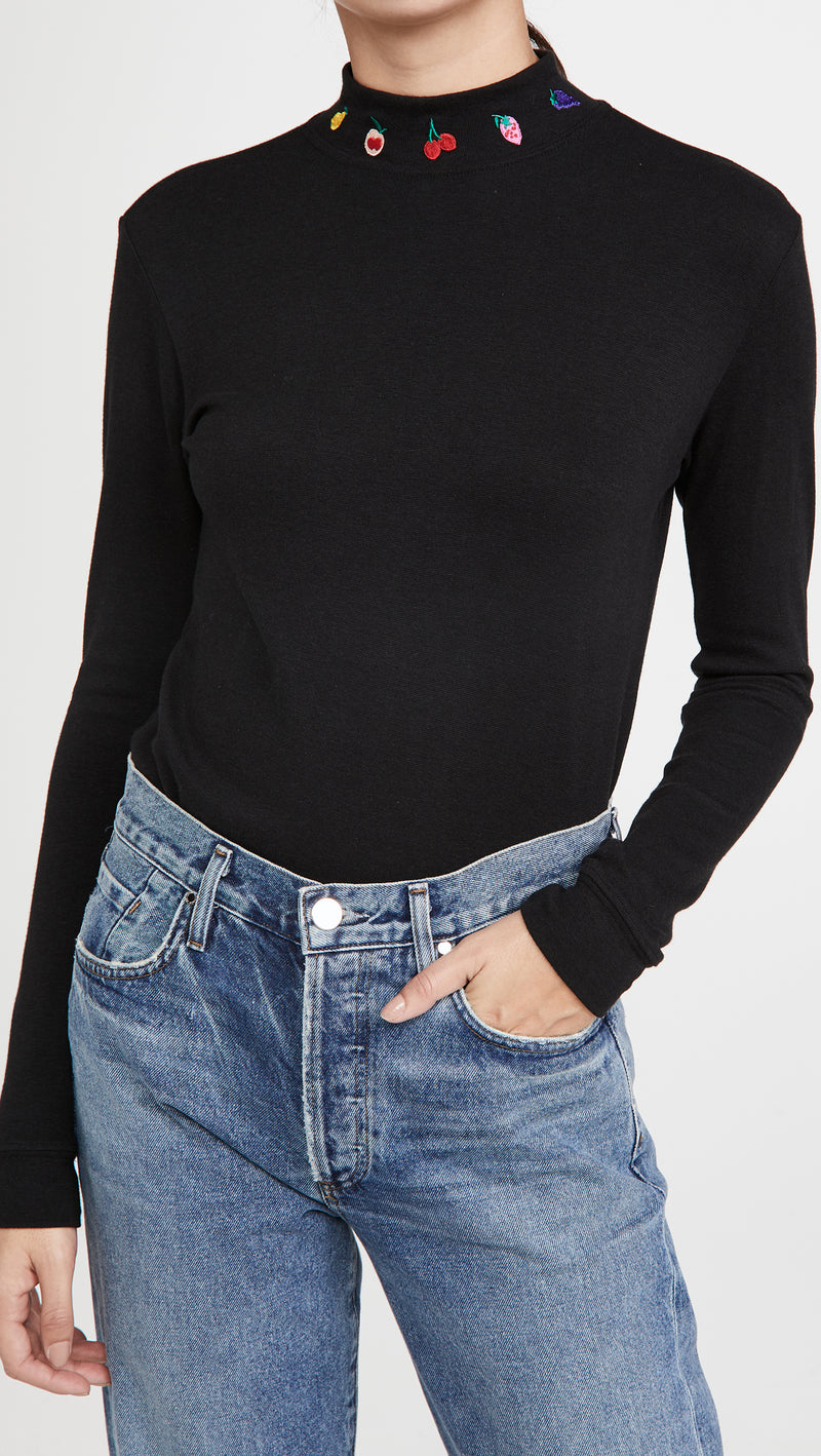 Black w. Fruit Embroidery Dobbs Turtleneck