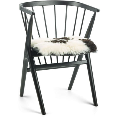 NC Living Seat Cover, Icelandic Sheepskin, Short Wool, 40x40cm, black, off white, spotted Seat Covers