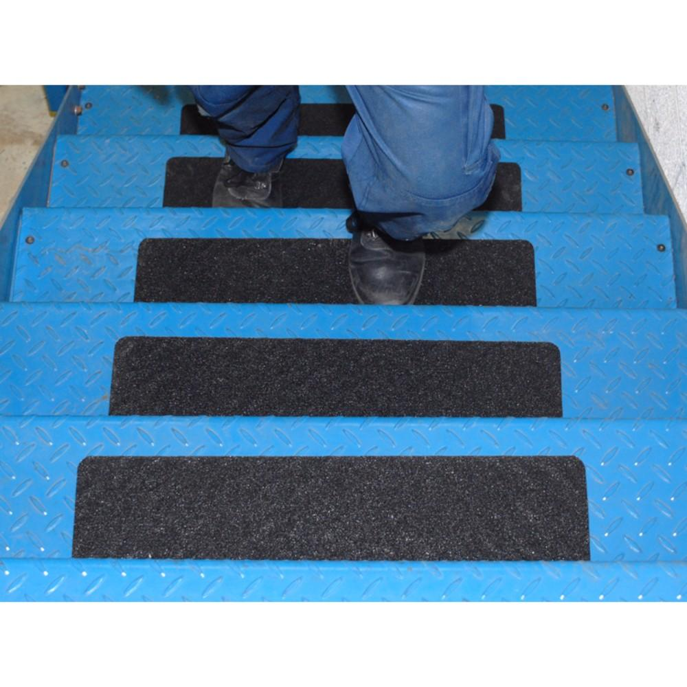 Conformable Anti Slip Cleat Treads For Tough Metal