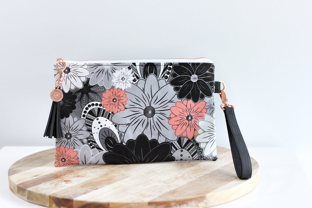 "Ready-Made ""Addi"" Zip Clutch"