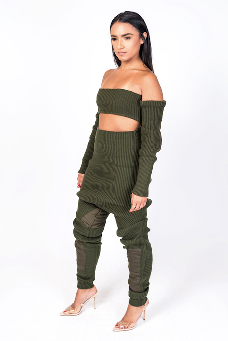 Green Knit Shourlderless Top