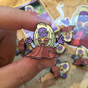 Mrs Krabjynx Pin, Sticker and Trading Card