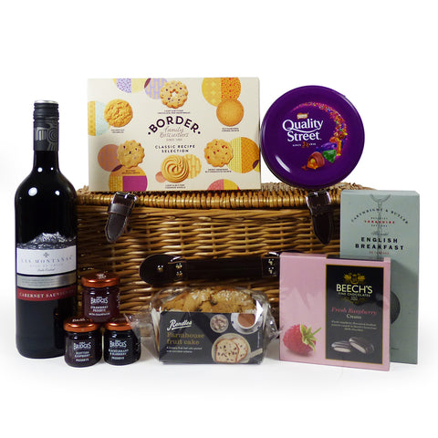 Las Montanas 75cl Wine and Chocolate Indulgence Food Hamper