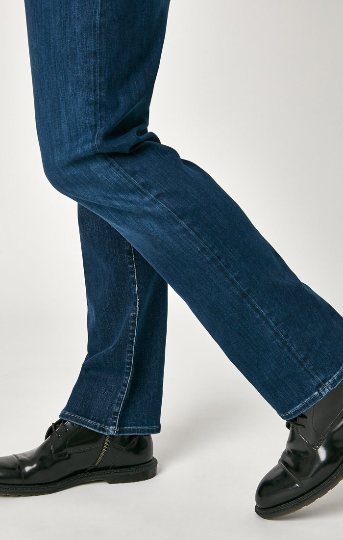MATT RELAXED STRAIGHT LEG IN DARK BLUE SUPERMOVE Image 6