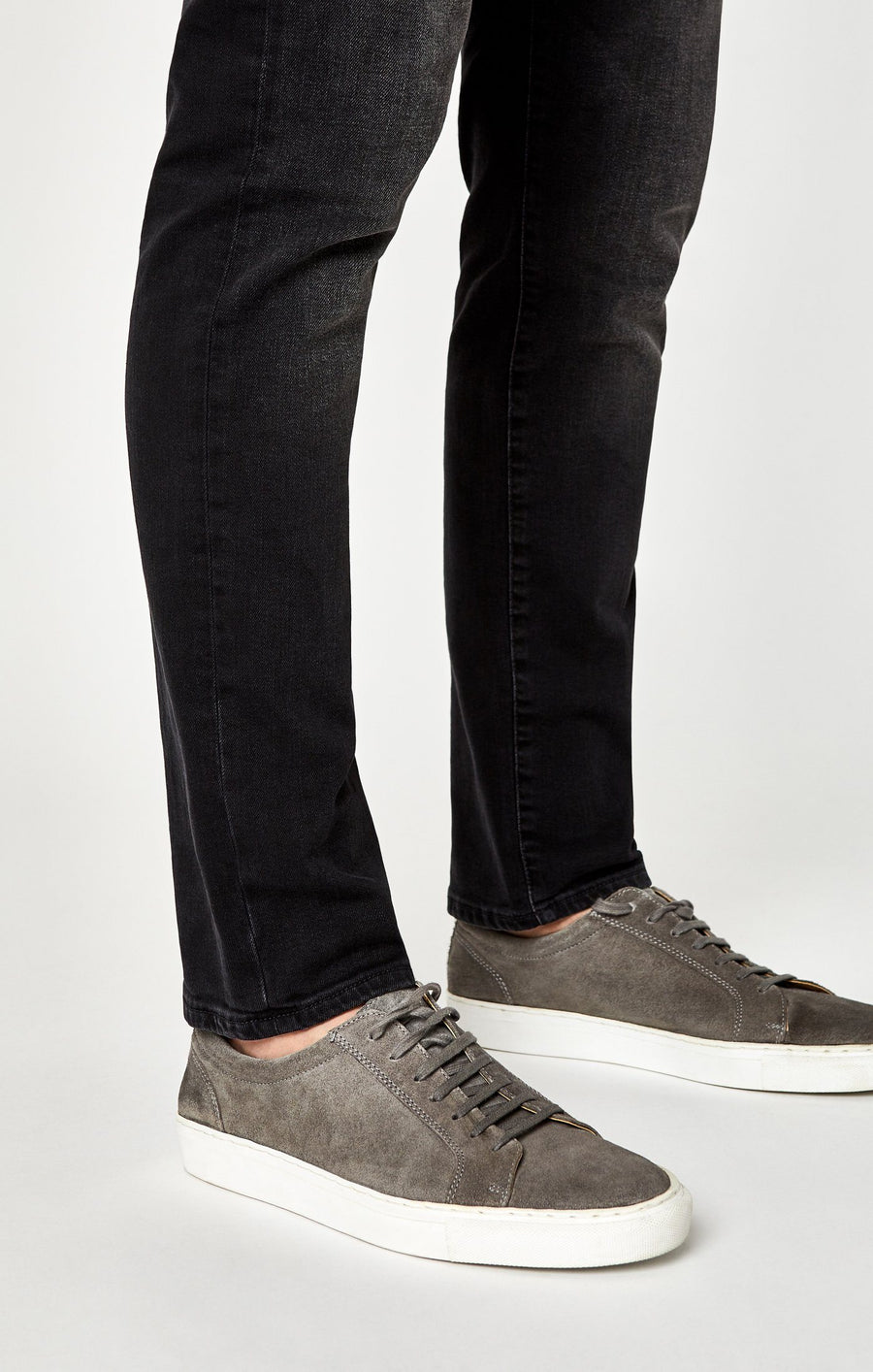 MARCUS SLIM STRAIGHT LEG IN DARK SMOKE WILLIAMSBURG - Mavi Jeans