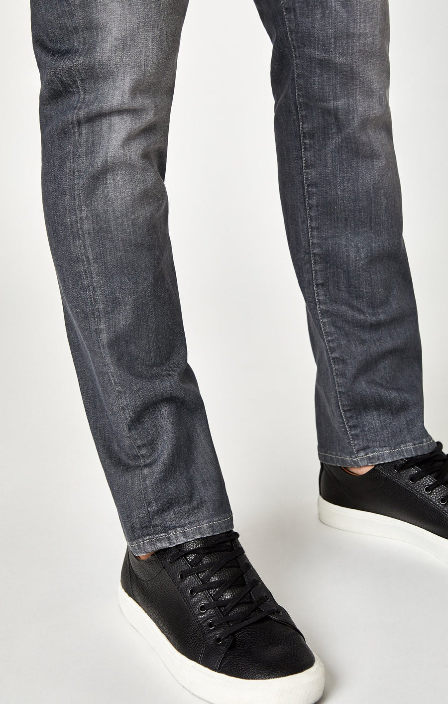 MARCUS SLIM STRAIGHT LEG IN LIGHT GREY WHITE EDGE - Mavi Jeans