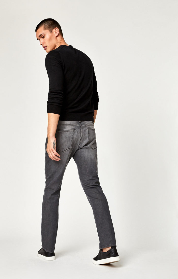 MARCUS SLIM STRAIGHT LEG IN LT GREY BROOKLYN - Mavi Jeans