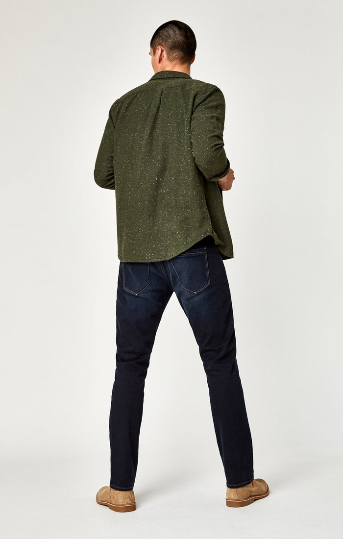 MARCUS SLIM STRAIGHT LEG IN RINSE BRUSHED STANFORD - Mavi Jeans