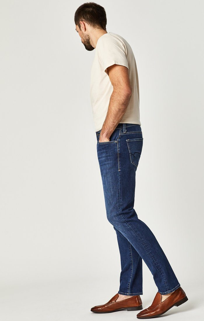 MARCUS SLIM STRAIGHT LEG IN DARK INDIGO WILLAMSBURG - Mavi Jeans