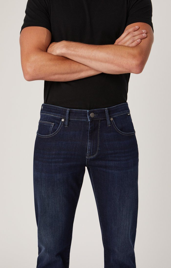 MARCUS SLIM STRAIGHT LEG IN DEEP BLUE SUPER MOVE - Mavi Jeans