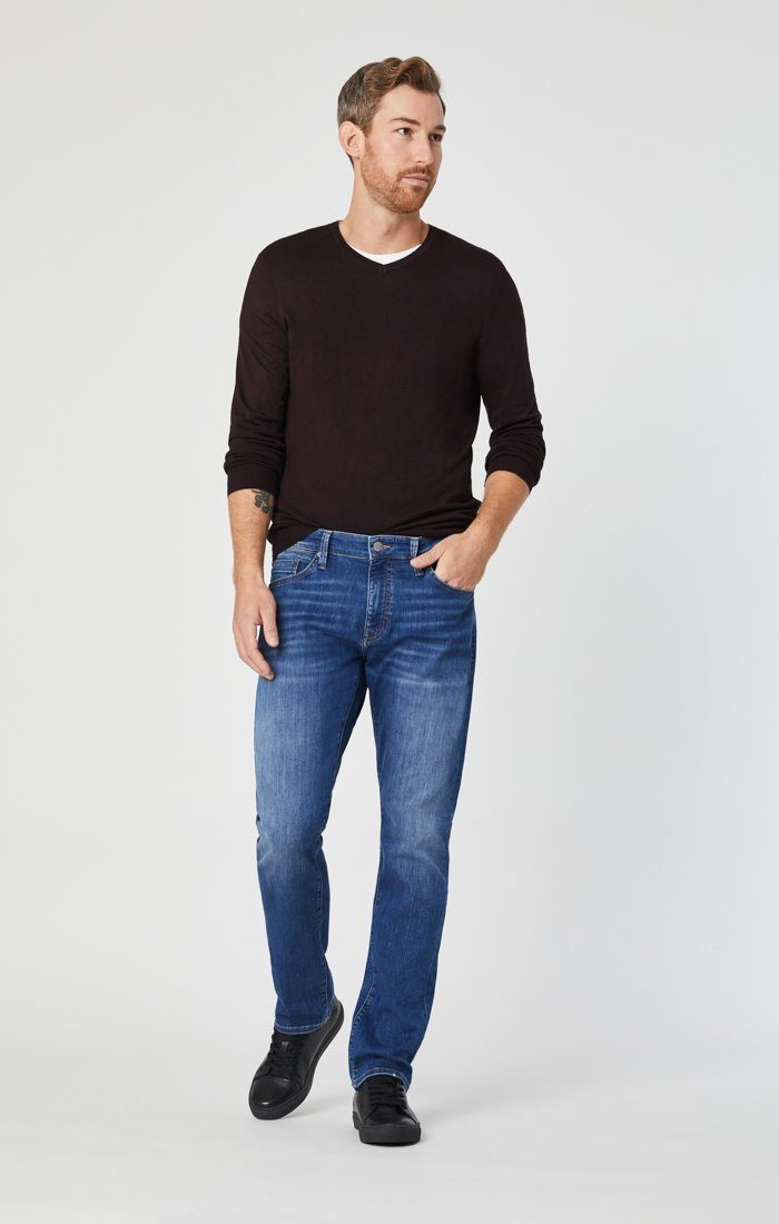 MARCUS SLIM STRAIGHT LEG JEANS IN MID BRUSHED WILLIAMSBURG Image 2