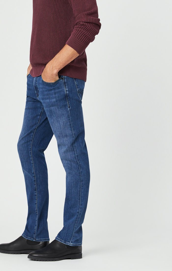 MARCUS SLIM STRAIGHT LEG JEANS IN MID SUPERMOVE Image 3