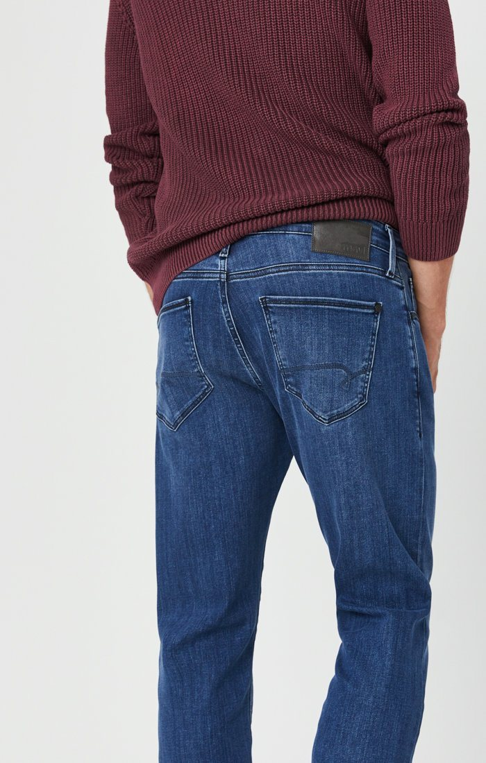 MARCUS SLIM STRAIGHT LEG JEANS IN MID SUPERMOVE Image 5
