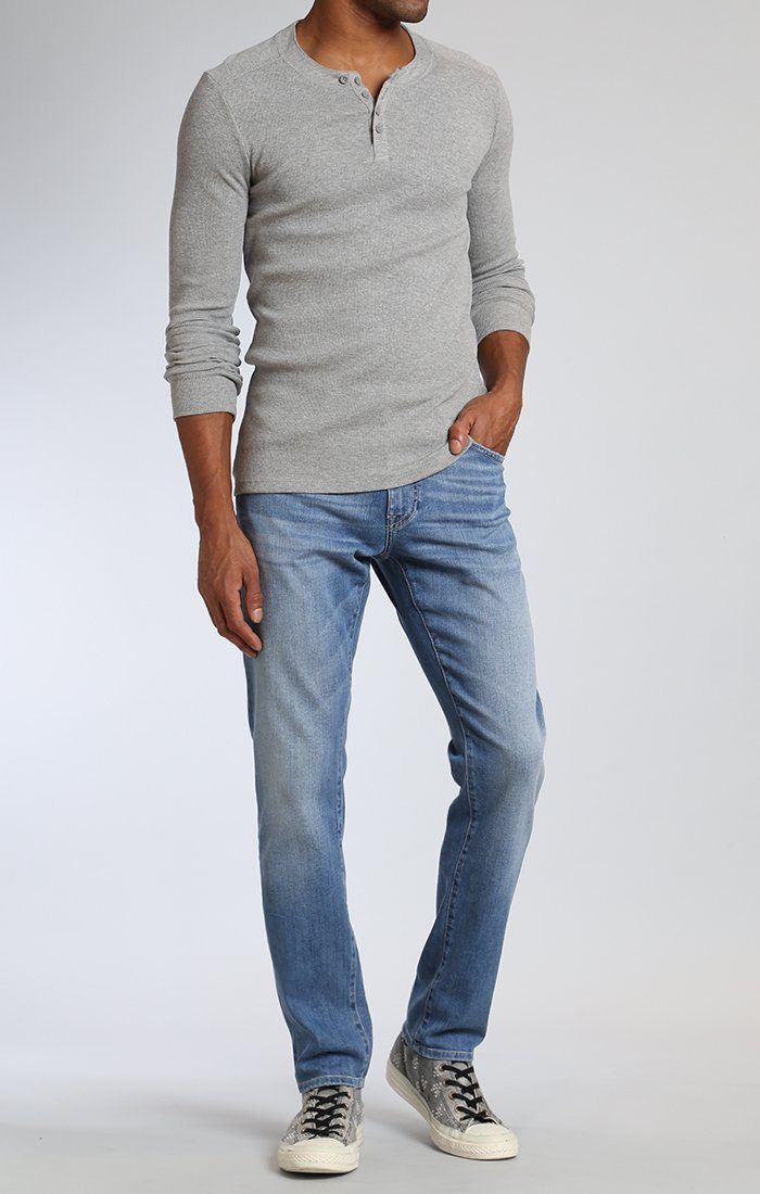 JAKE SLIM LEG IN LIGHT BLUE WILLAMSBURG