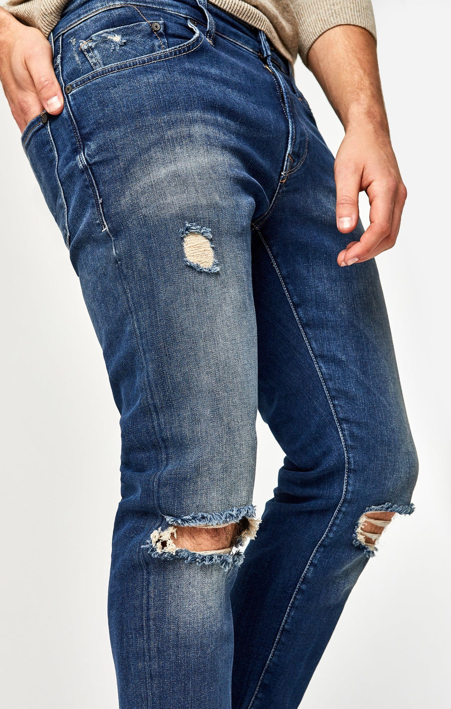 JAKE SLIM LEG IN USED RIPPED AUTHENTIC VINTAGE - Mavi Jeans