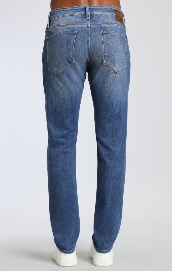 JAKE SLIM LEG IN LT DESTRUCTED AUTHENTIC VINTAGE - Mavi Jeans