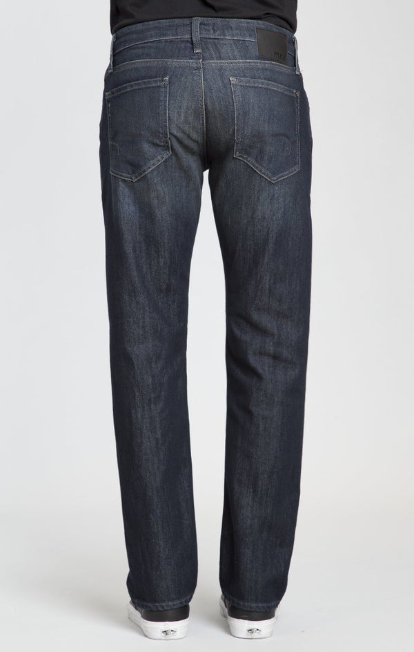 ZACH STRAIGHT LEG IN DEEP STANFORD - Mavi Jeans