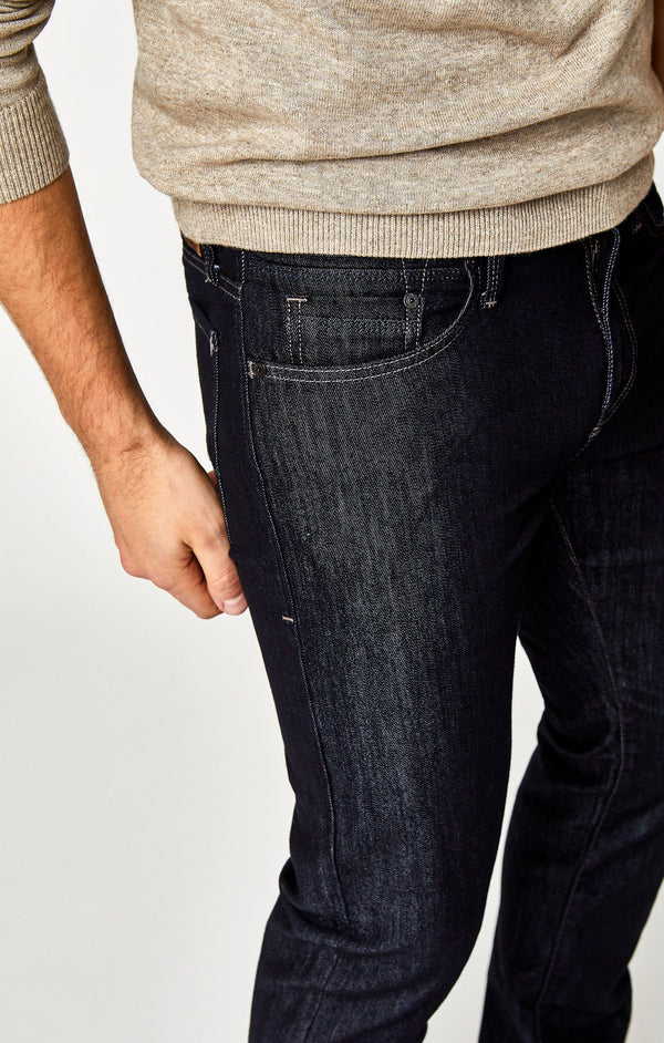ZACH STRAIGHT LEG IN RINSE STANFORD - Mavi Jeans