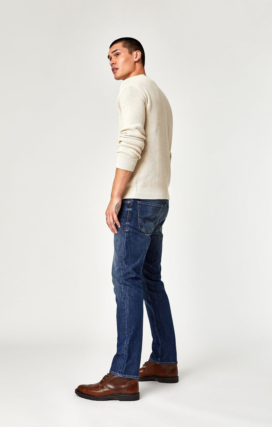 ZACH STRAIGHT LEG IN DARK BRUSHED STANFORD - Mavi Jeans