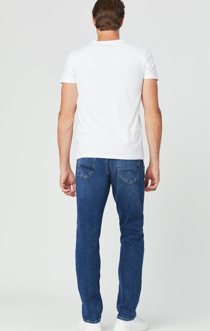 ZACH STRAIGHT LEG JEANS IN MID BLUE ORGANIC MOVE Image 3