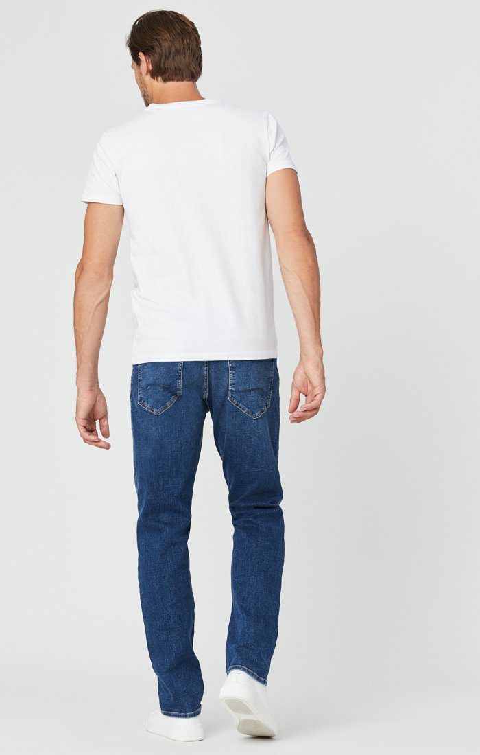 ZACH STRAIGHT LEG JEANS IN MID BLUE ORGANIC MOVE Image 4