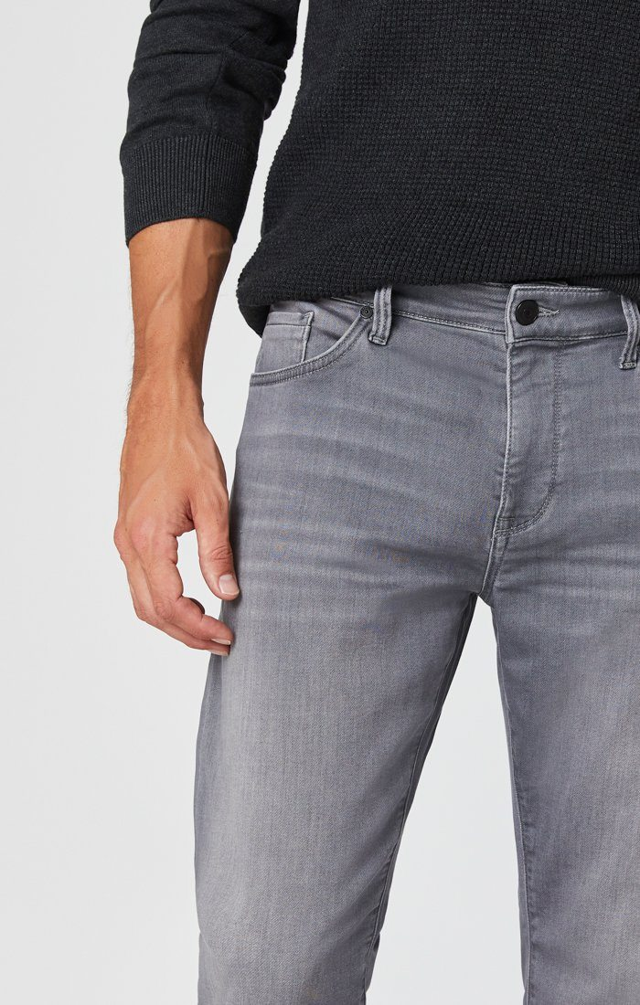 ZACH STRAIGHT LEG JEANS IN MID GREY ATHLETIC Image 2