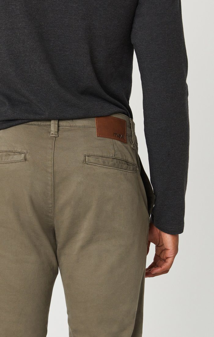 EDWARD CHINO IN EDWARD DUSTY OLIVE TWILL Image 5