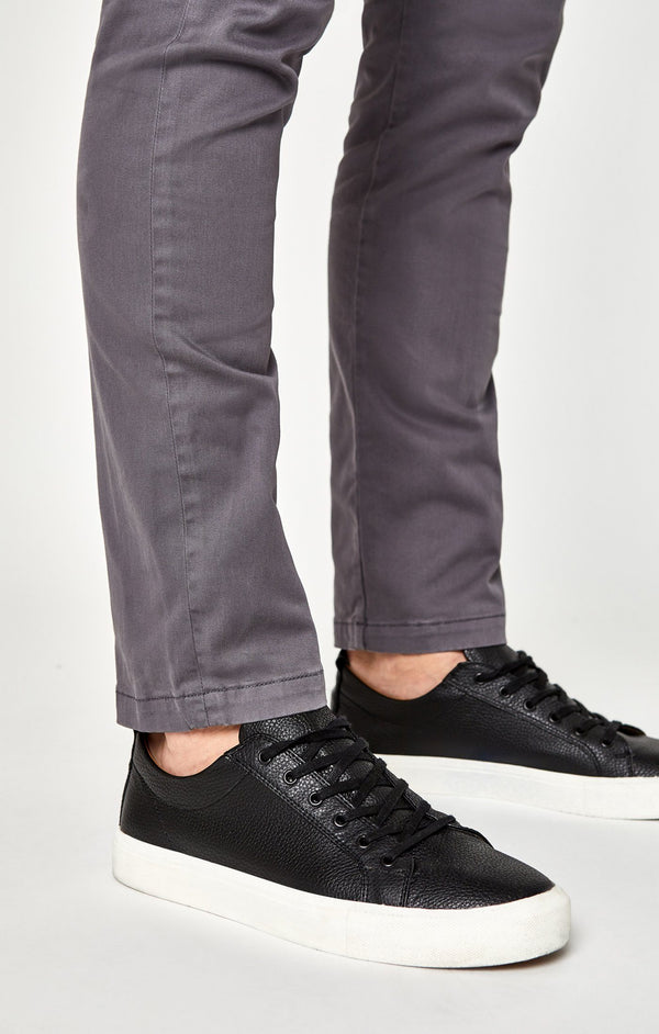 JOHNNY SLIM CHINO IN STONE GREY TWILL - Mavi Jeans