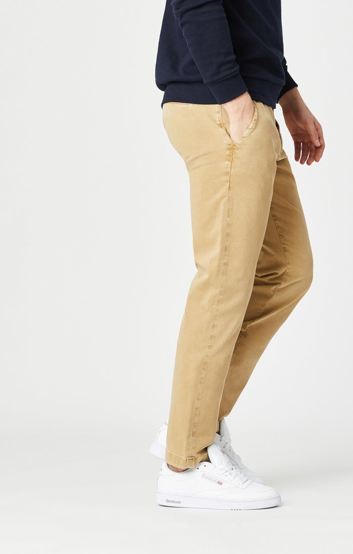 EDWARD SLIM STRAIGHT CHINO IN LATTE SATEEN TWILL Image 3