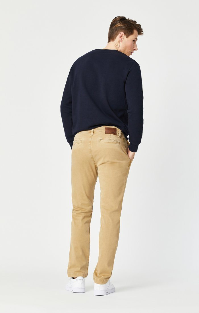 EDWARD SLIM STRAIGHT CHINO IN LATTE SATEEN TWILL Image 5