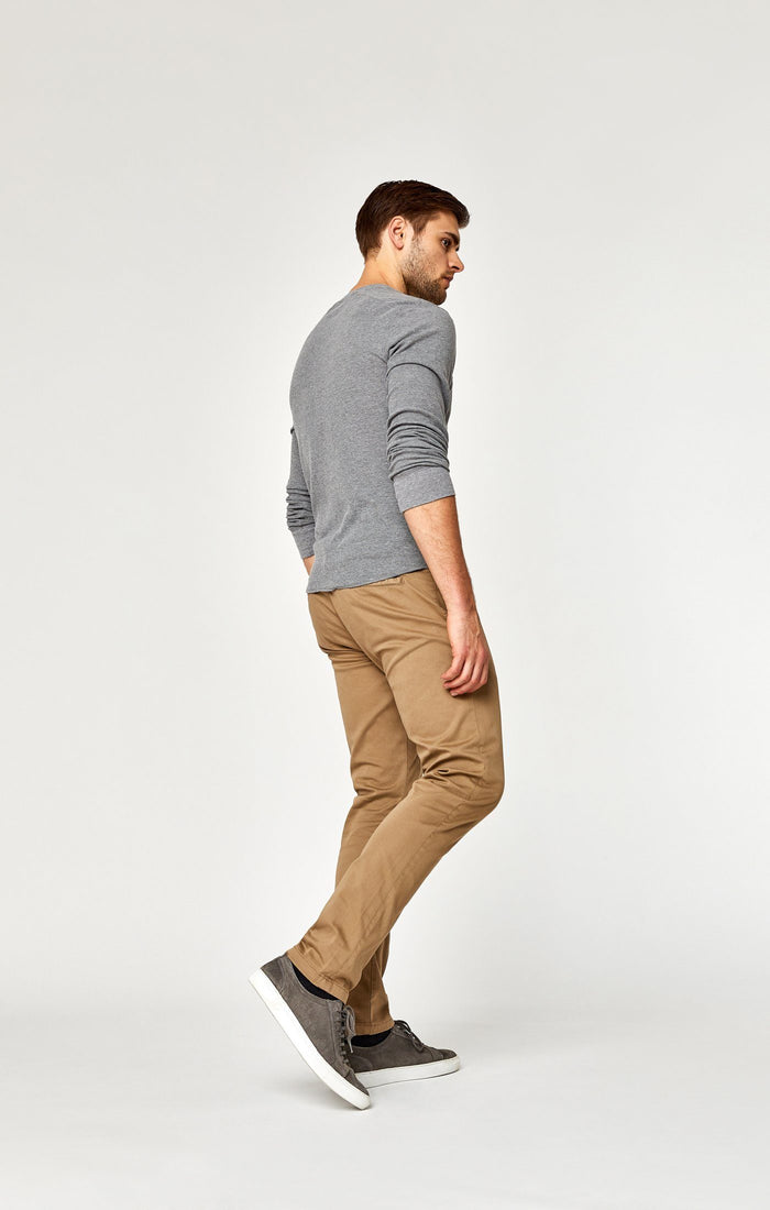 JOHNNY SLIM CHINO IN BRITISH KHAKI TWILL - Mavi Jeans