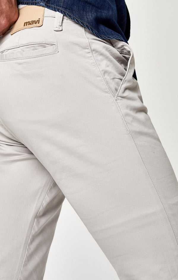 JOHNNY SLIM CHINO IN GLACIER GREY TWILL - Mavi Jeans