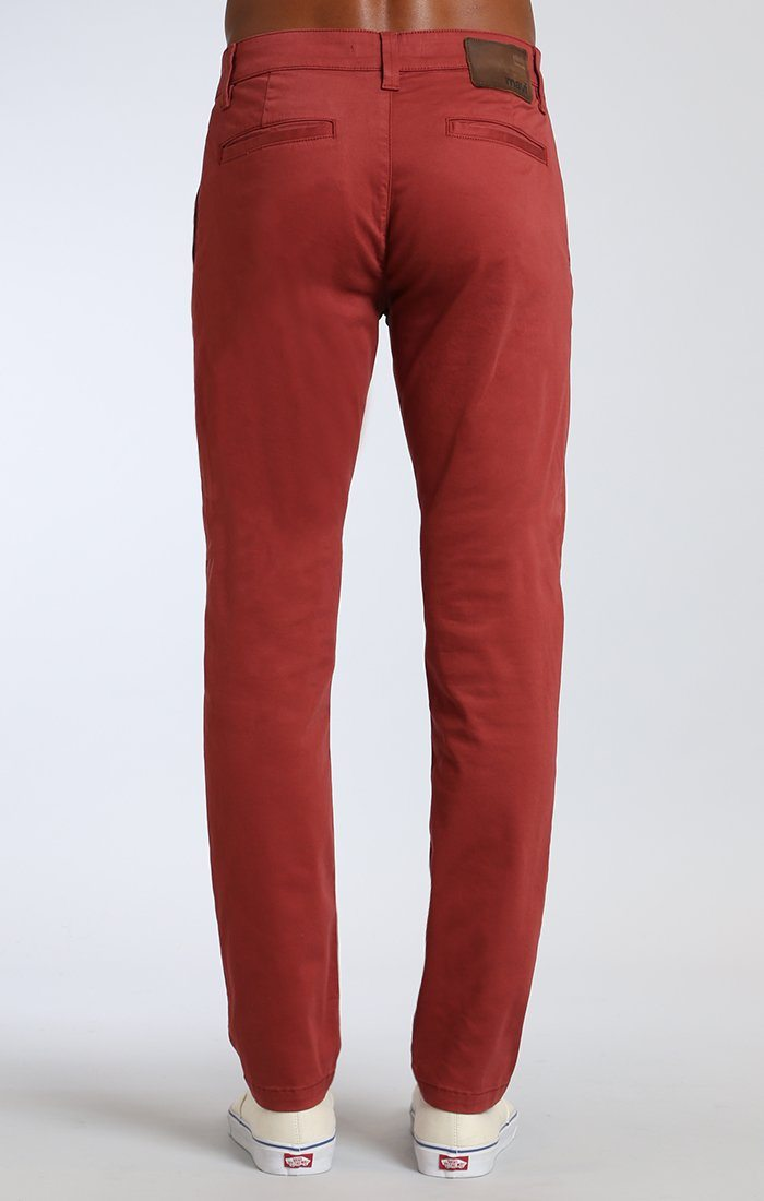 JOHNNY SLIM LEG CHINO IN ROSE WOOD TWILL - Mavi Jeans