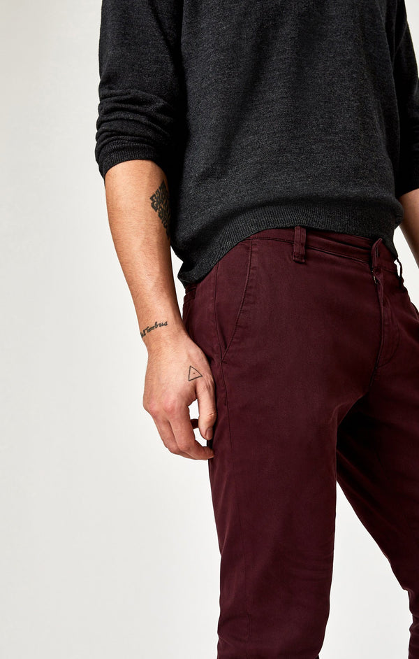 JOHNNY SLIM CHINO IN BURGUNDY TWILL - Mavi Jeans