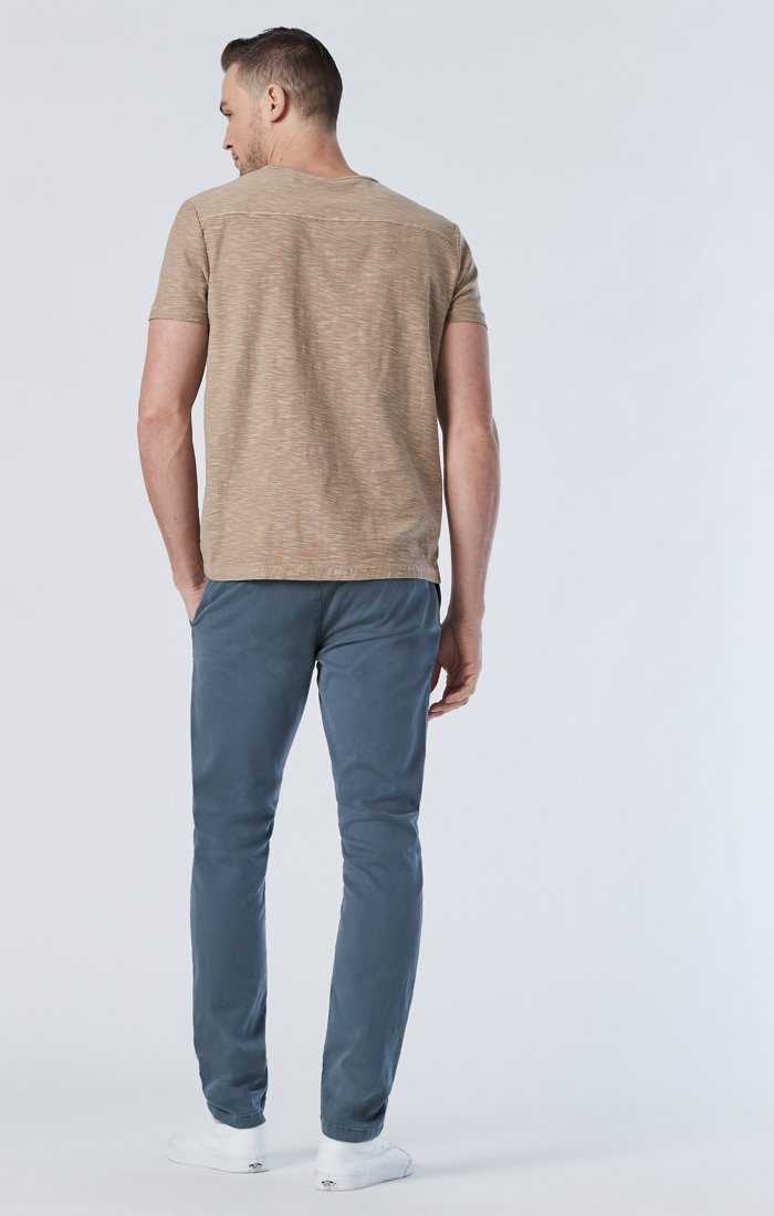 JOHNNY SLIM CHINO IN STORMY WEATHER SATEEN Image 2