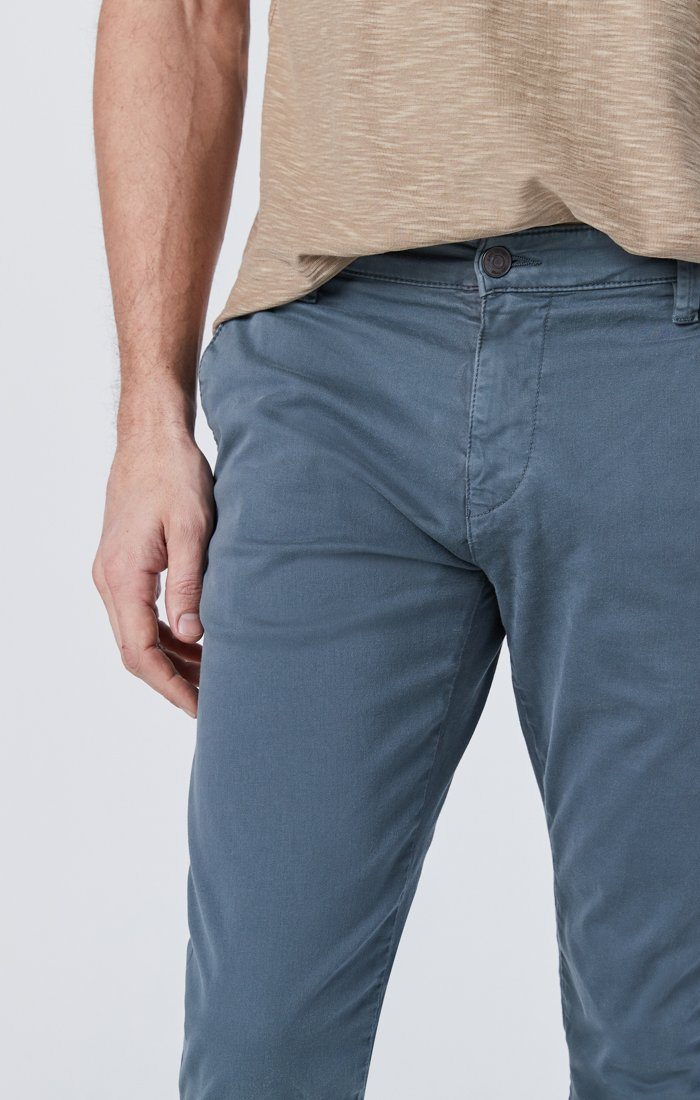 JOHNNY SLIM CHINO IN STORMY WEATHER SATEEN Image 4