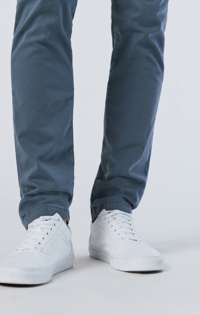 JOHNNY SLIM CHINO IN STORMY WEATHER SATEEN Image 6